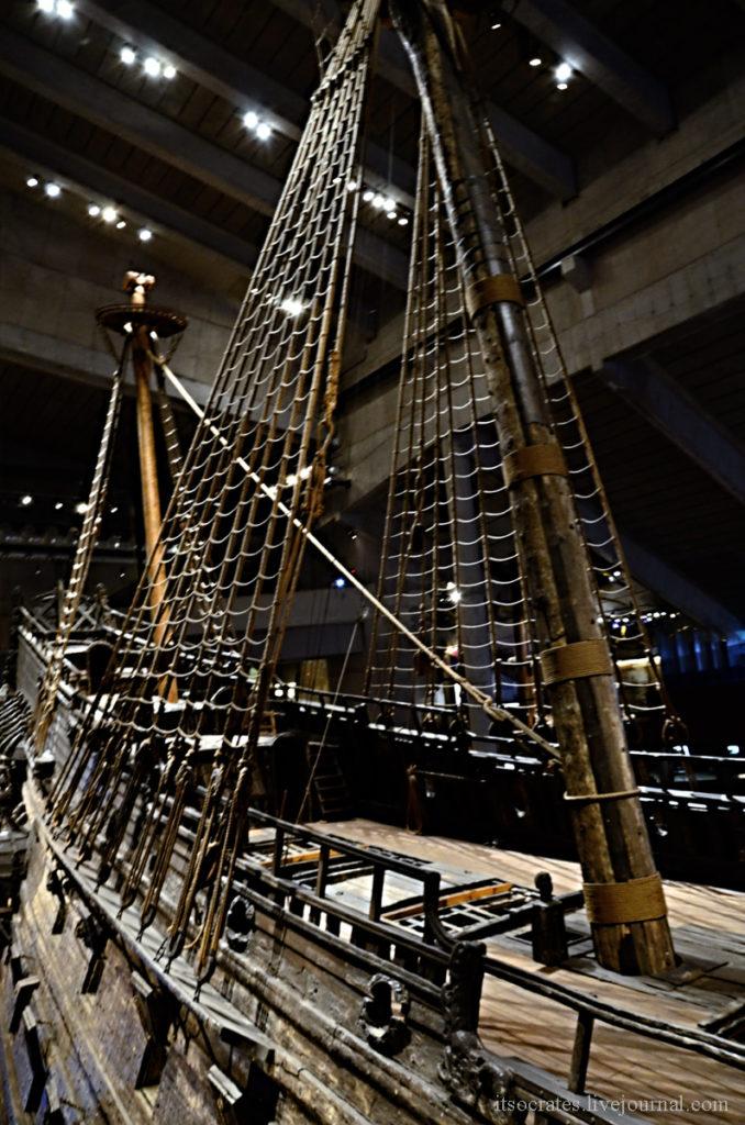 Музей Васа - палуба и мачта корабля Васа