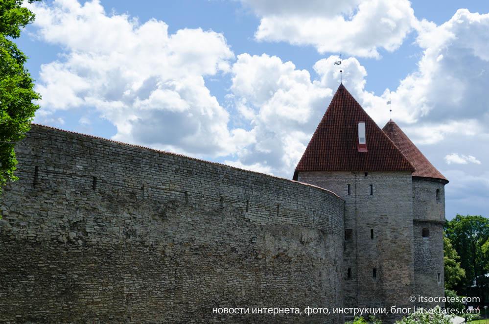 Фото крепостных стен вышгорода Таллина