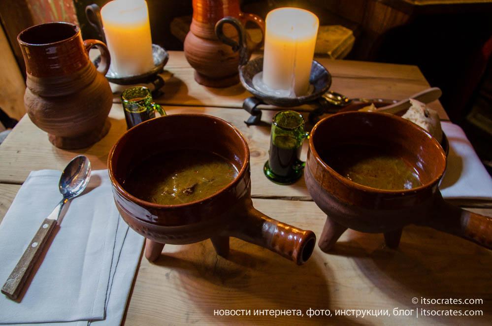 Ресторан в старом городе Таллина - Olde Hansa - глиняная посуда
