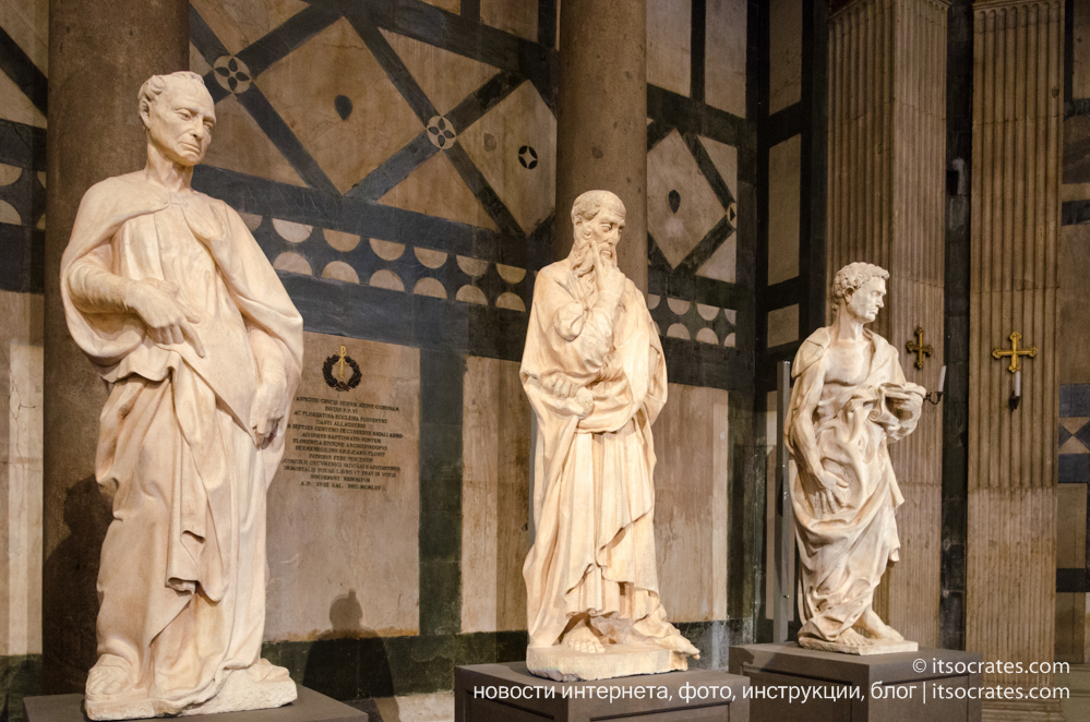 Баптистерий Сан-Джованни во Флоренции, Италия - выставка скульптур Донателло в баптистерии