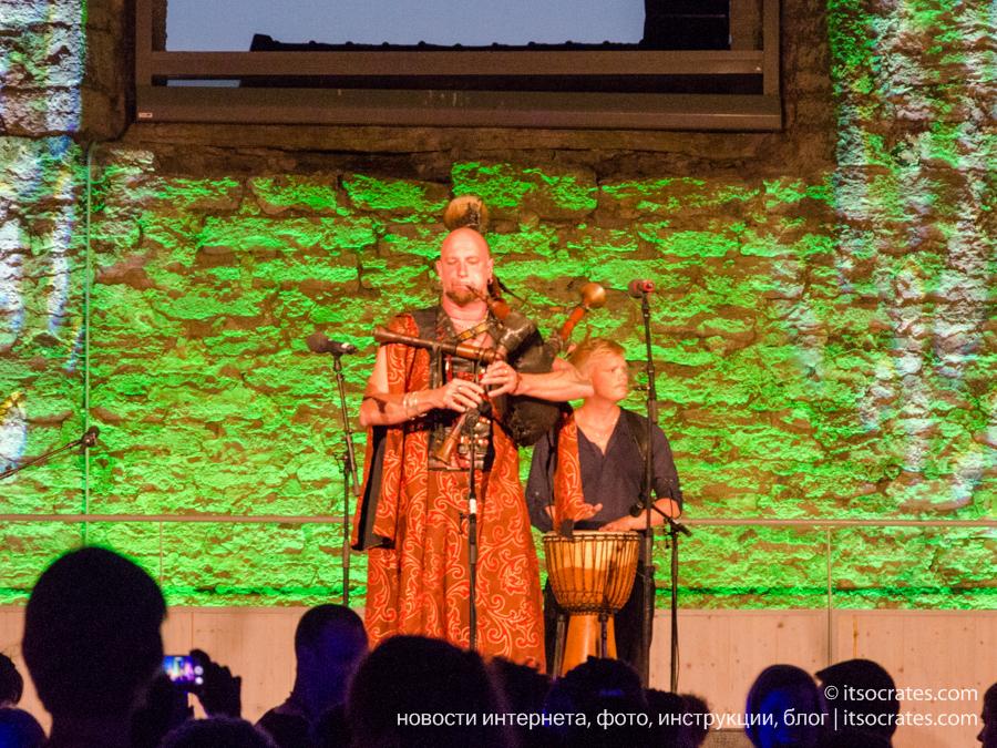 Фестиваль Неделя средневековья на острове Готланд в Швеции - концерт средневековой музыки