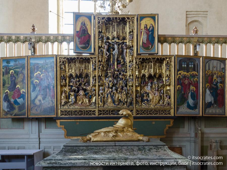 Пригород Стокгольма - Стренгнес город рядом со Стокгольмом - Кафедральный собор - иконостас внутри церкви