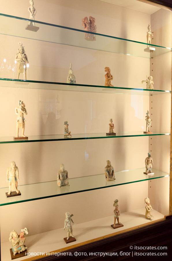 Музей виллы Бальбьянелло графа Гвидо Монзино, его коллекции и интерьер виллы Бальбьянелло - коллекция статуэток