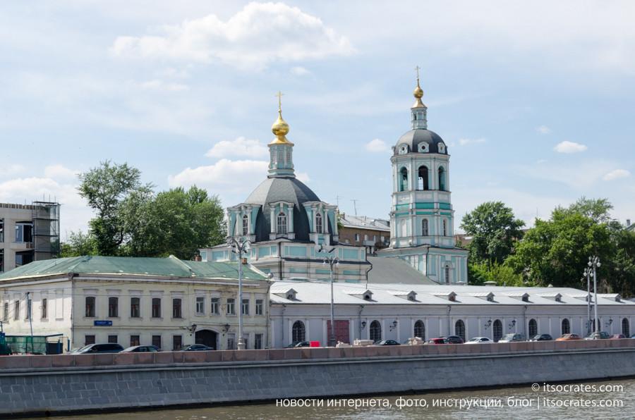 Фото прогулка на речном трамвайчике по Москве реке - Храм Святителя Николая