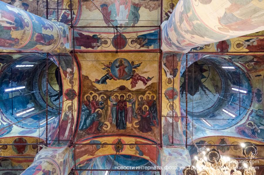 Соборы Кремля - роспись стен и потолка в Успенском соборе