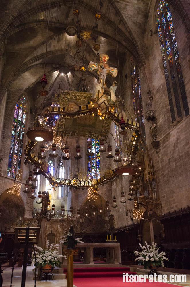Кафедральный собор в Пальма-де-Майорка - алтарь собора