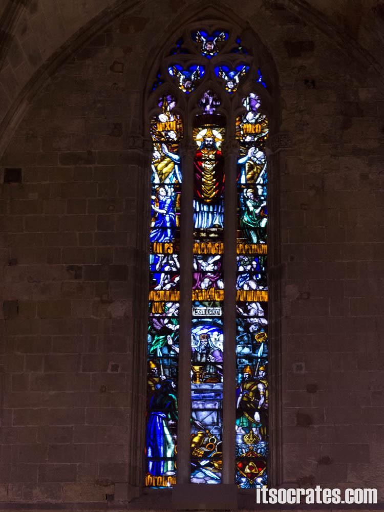 Кафедральный собор в Пальма-де-Майорка - витражи собора