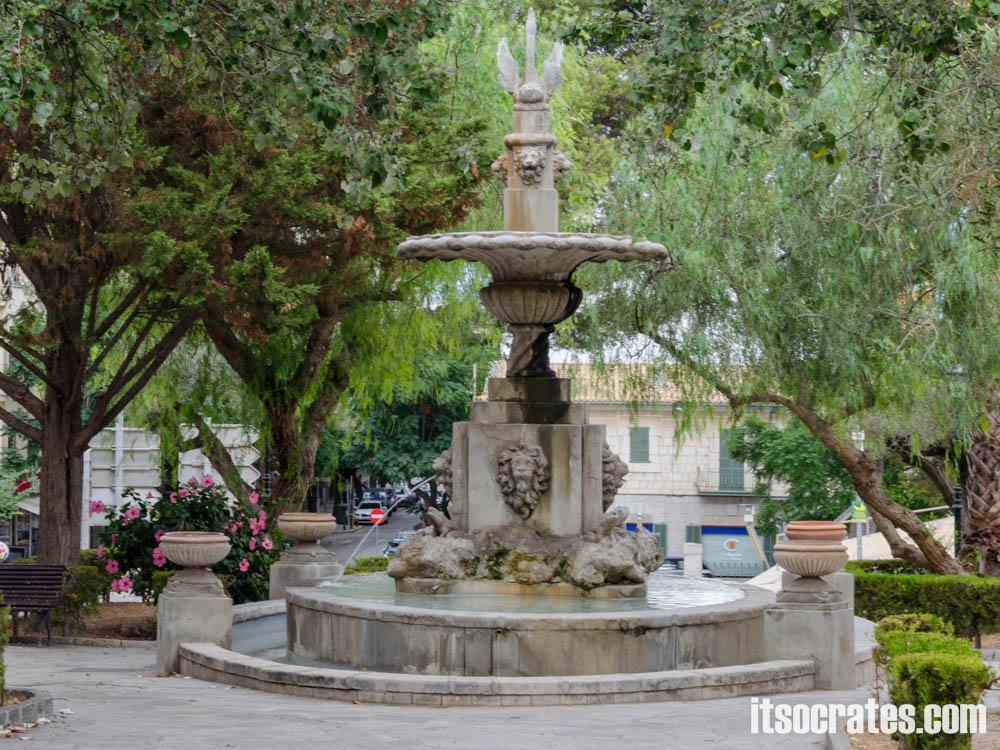 Город инка на острове Майорка, столица обувной промышлености и отличное место для шопинга