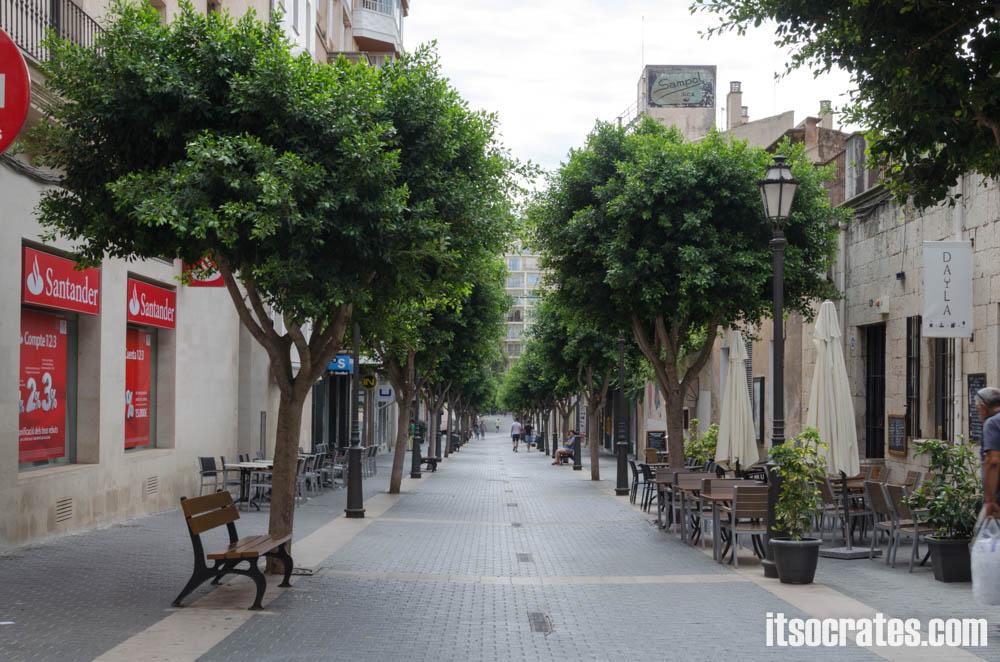 Город Инка на острове Майорка - улица где бывает кожаный рынок