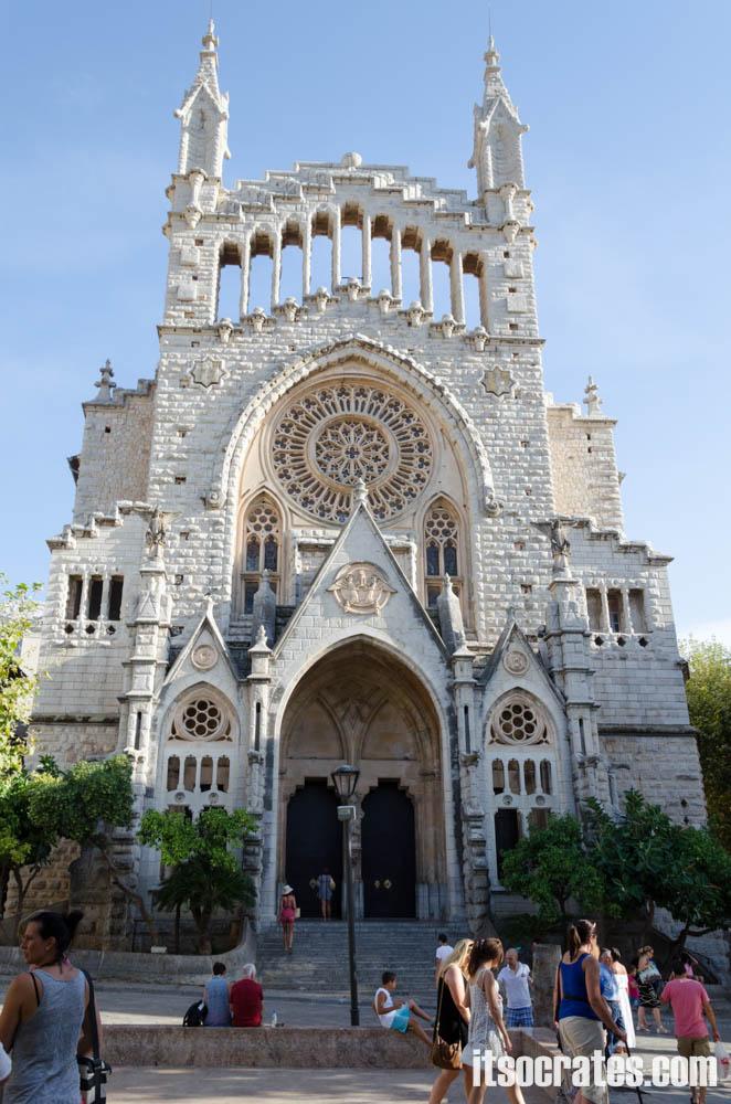 Порт Сольер на острове Майорка -  церковь Сант-Бартоломеу