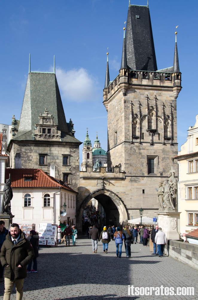 Карлов мост в Праге, Чехия - Предмостная башня у Малой Стороны и Башня Юдифи