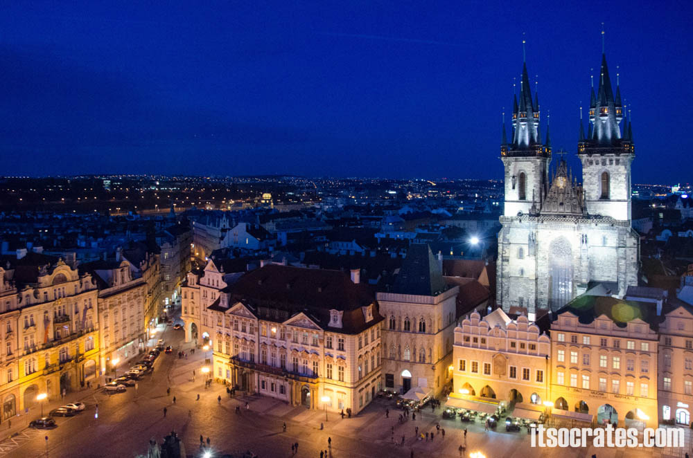 Достопримечательности Праги - Пражский град, вид на Староместскую площадь с колокольни