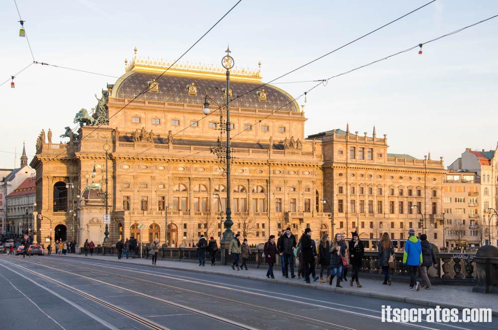 Достопримечательности Праги - Пражский град, Национальный театр Чехии
