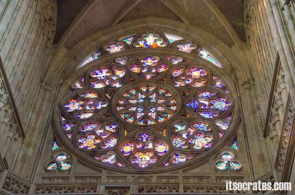 Прага - Собор Святого Вита - главная розетта собора