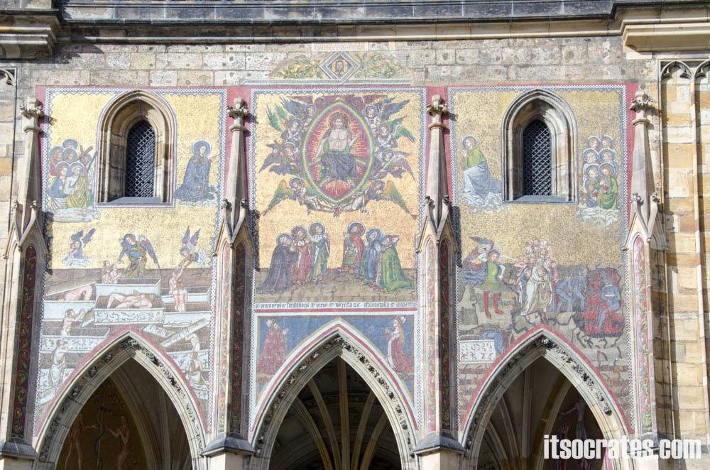 Прага - Собор Святого Вита - Мозаика «Страшный Суд»