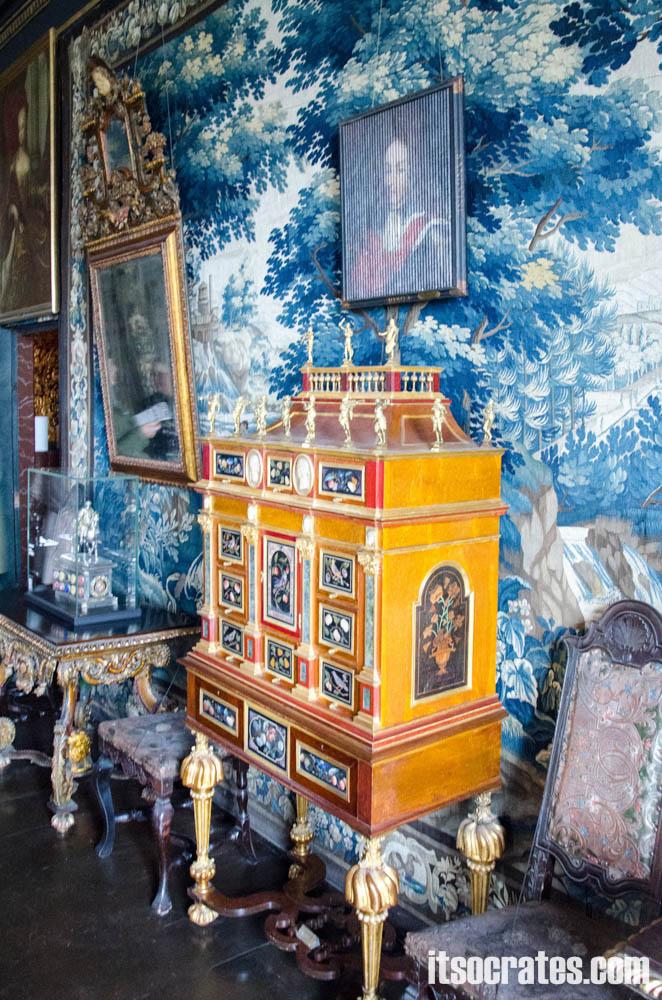Замок Розенборг - главная достопримечательностей Копенгагена, Дания - гофрированное полотно Фридрика четвертого и его сестры