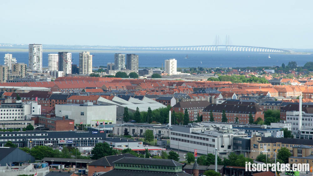 Достопримечательности Копенгагена, Дания - Церковь Спасителя - вид на мост Эрезунд между Копенгагеном и Мальме